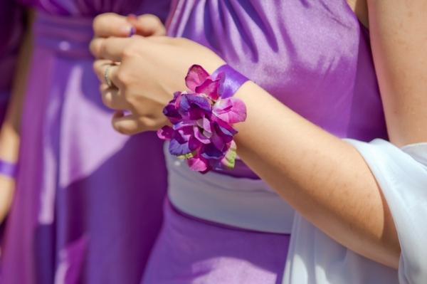 Как сделать подружкам невесты браслеты с цветком