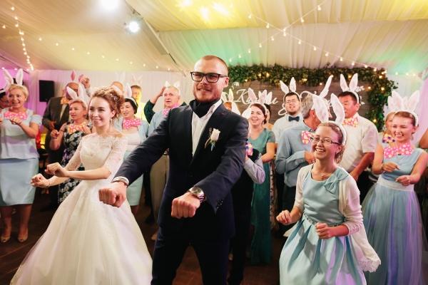 Конкурсы на деревянную свадьбу смешные без тамады