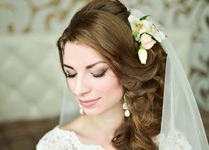 Свадебные прически с накладными прядями 3