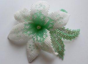 Свадебные украшения для волос своими руками из бисера и проволоки: фото и примеры