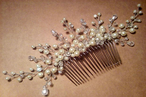 Свадебная прическа с гребнем для волос 9