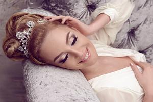 Свадебная прическа с гребнем для волос 10
