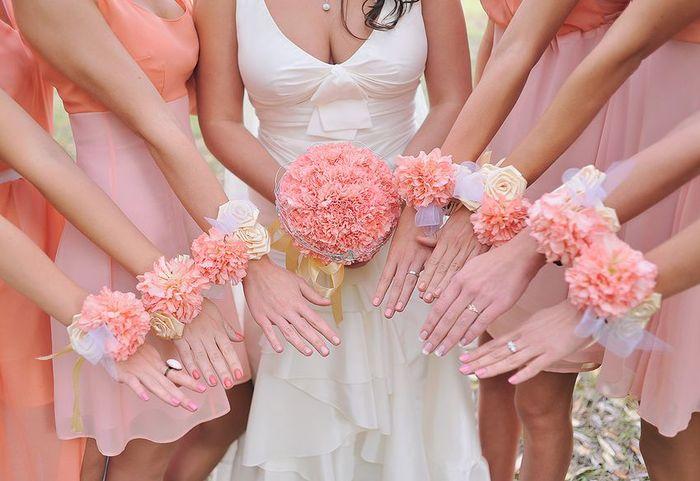 цветы на руку подружкам невесты 2