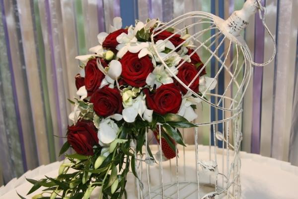 Букет невесты на портбукетнице: как сделать своими руками