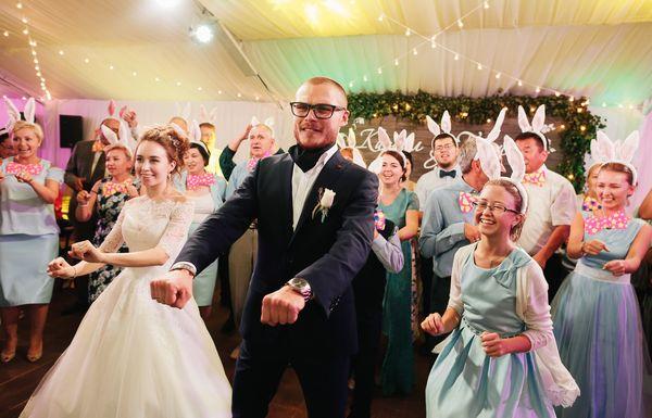Самые смешные конкурсы для гостей на свадьбу