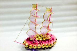 Корабль из конфет на свадьбу 6
