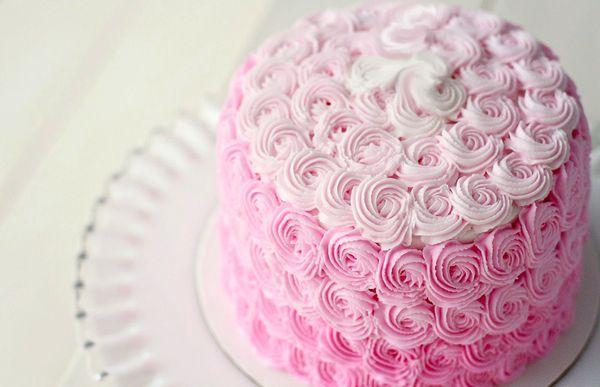 Свадебный торт розовый с голубым и золотым декором