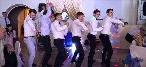 Выкуп туфли невесты на свадьбе: сценарий, конкурсы, видео