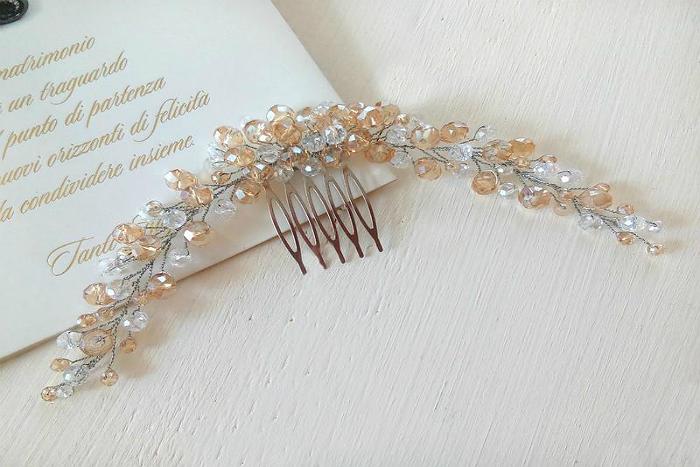 Свадебная прическа с гребнем для волос 1