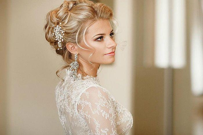 Свадебная прическа с гребнем для волос 4